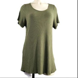 LuLaRoe super soft solid green ribbed tunic top